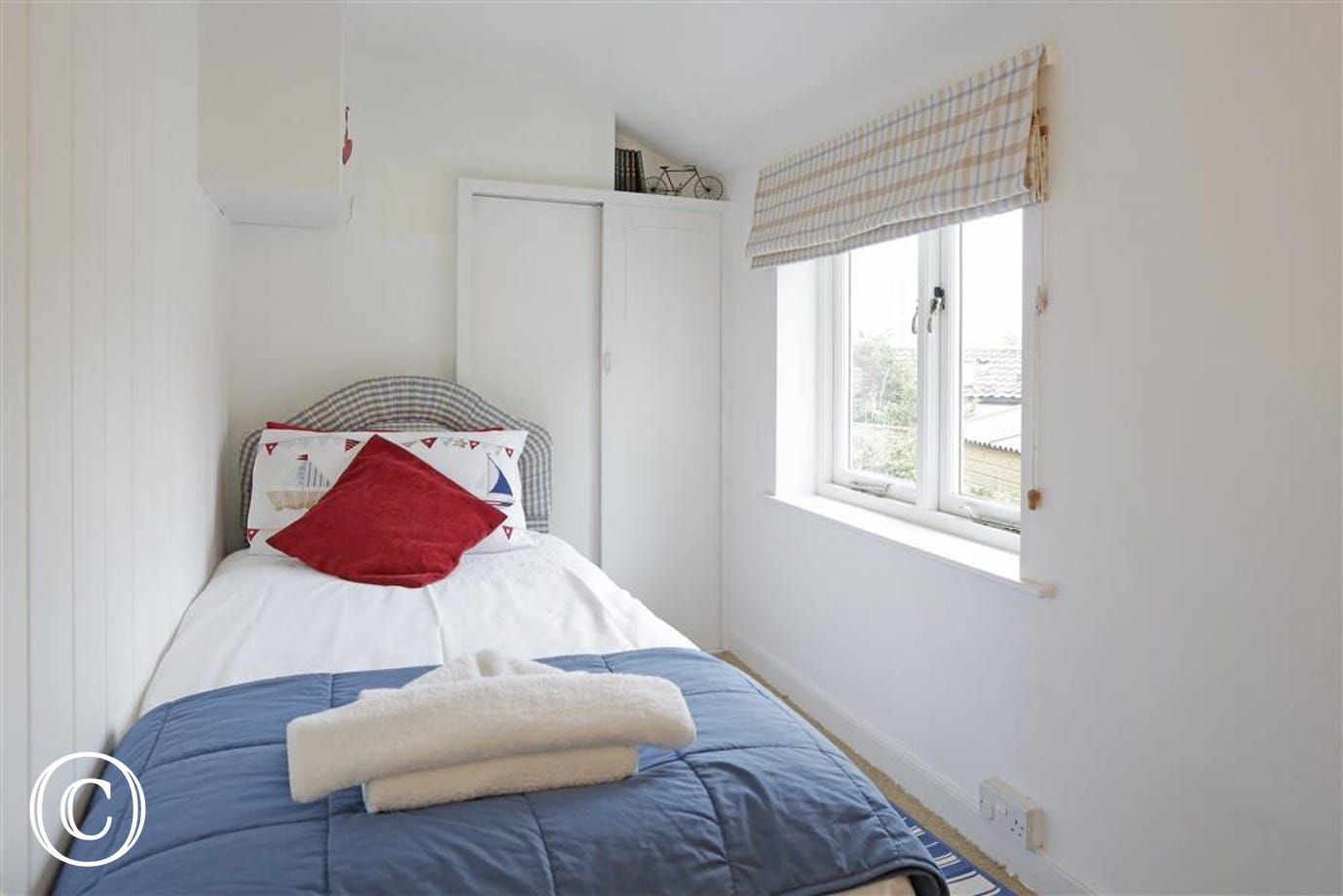 This cosy single bedded room is towards the rear of the property.
