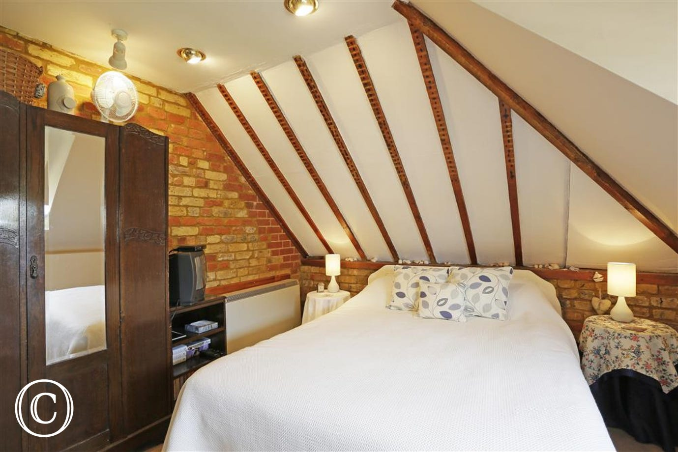 A spacious but cosy bedroom will ensure your self-catering needs are met.