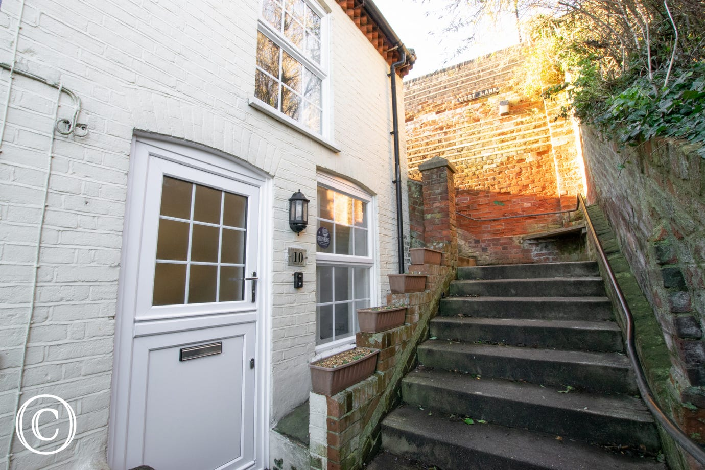 This fabulous property for three in the heart of Aldeburgh has a quirky but convenient location.
