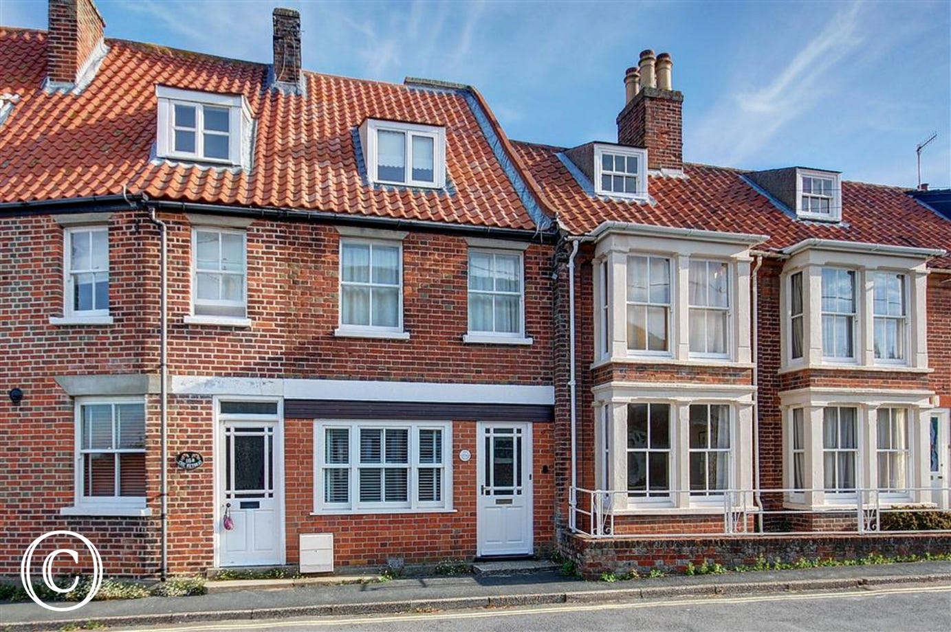 Ivy Cottage is a charming 7 person property situated in the stunning coastal town of Southwold.