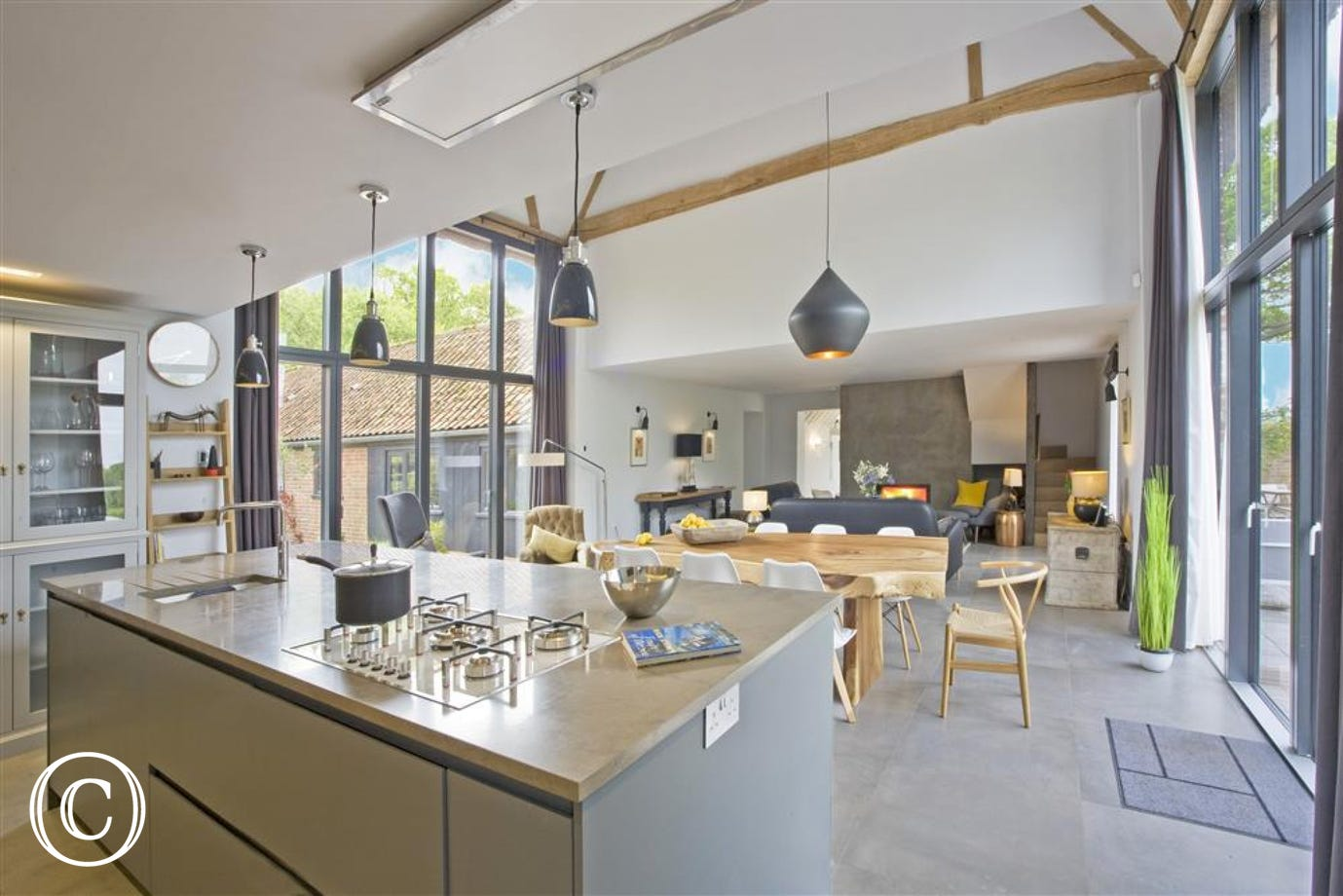 Alexandra Barn is a stunning newly renovated barn conversion close to the Coast  Enjoy a superb experience using top of the range cooking facilities