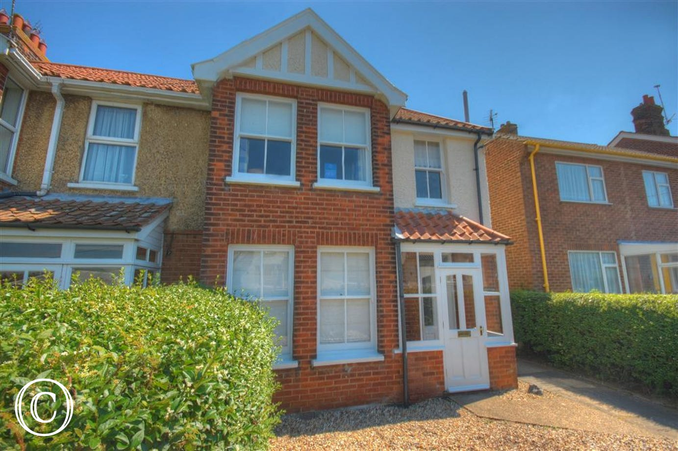 Situated both moments from the High Street and Sea front, this 4 bedroomed property is the perfect family get away.