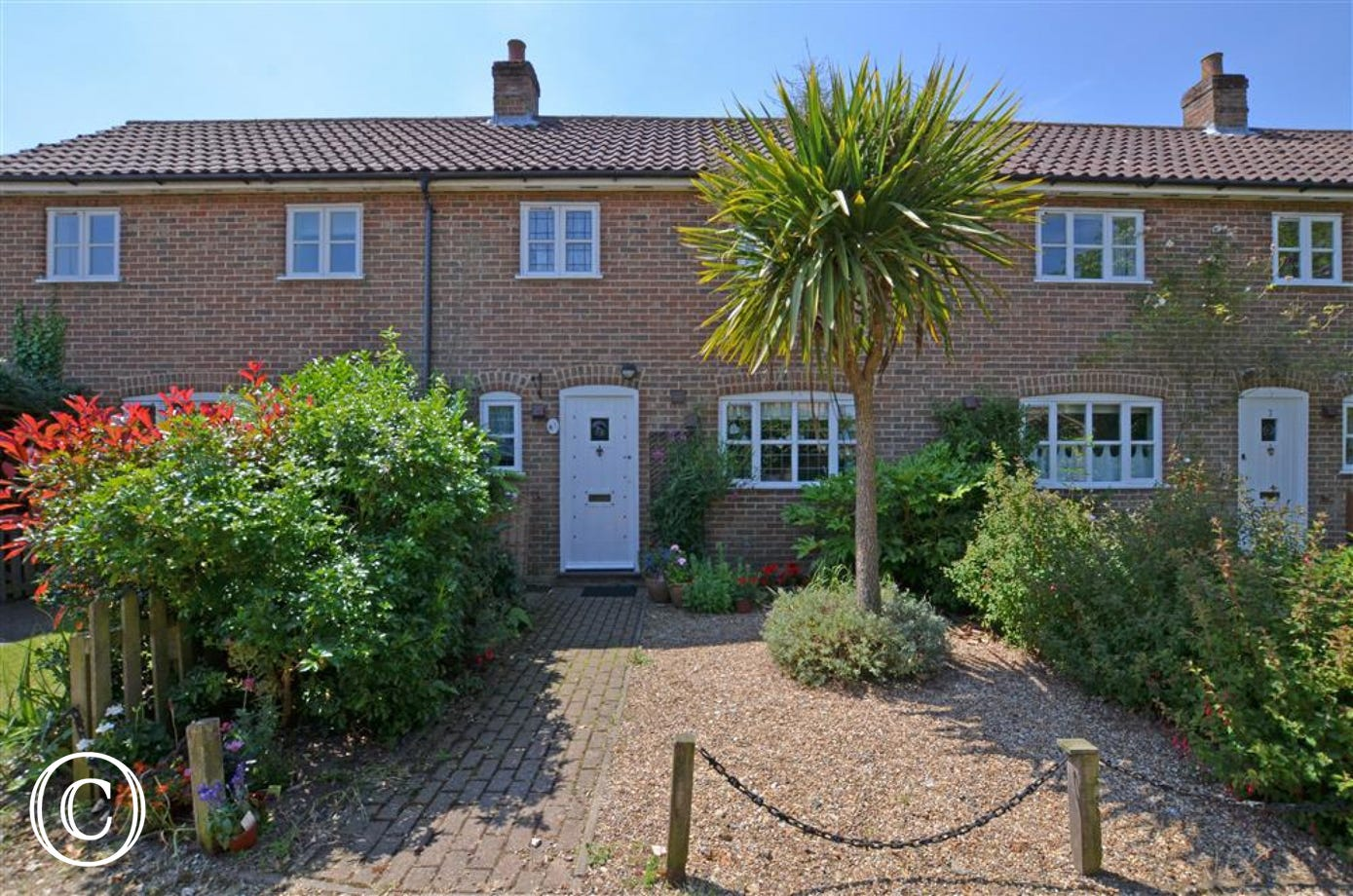 This charming property for three is situated in the village of Friston which is a good central base for exploring Suffolk.