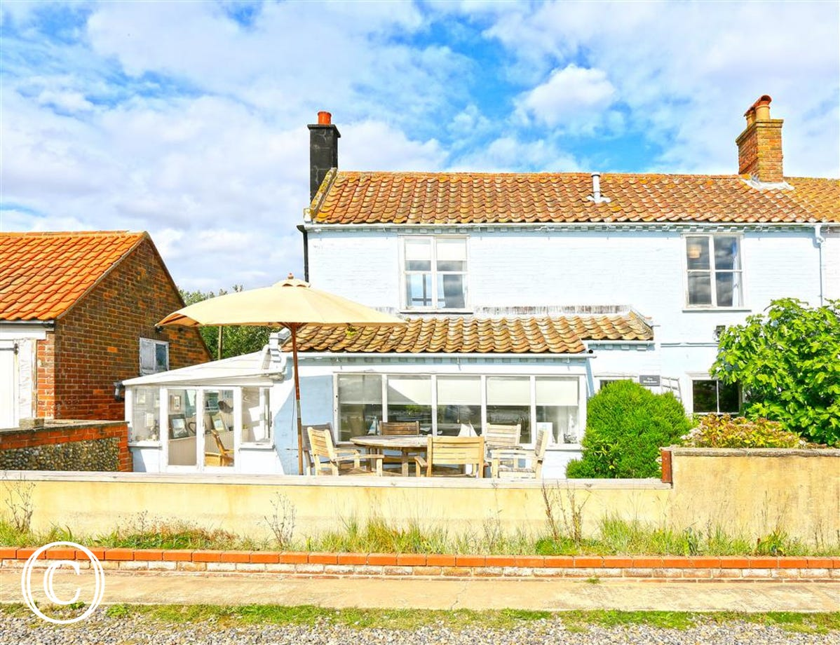 5 Blackshore is set right on the harbour edge, an ideal spot within close proximity to Walberswick.