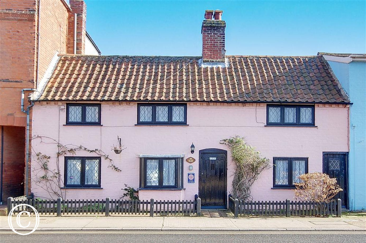 A beautiful six person property situated on Aldeburgh high street.