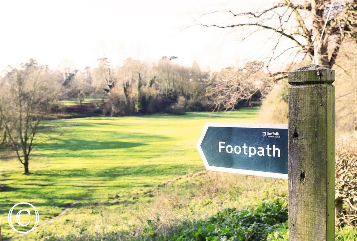 You can access the park across the road from Wren Cottage via a footpath.
