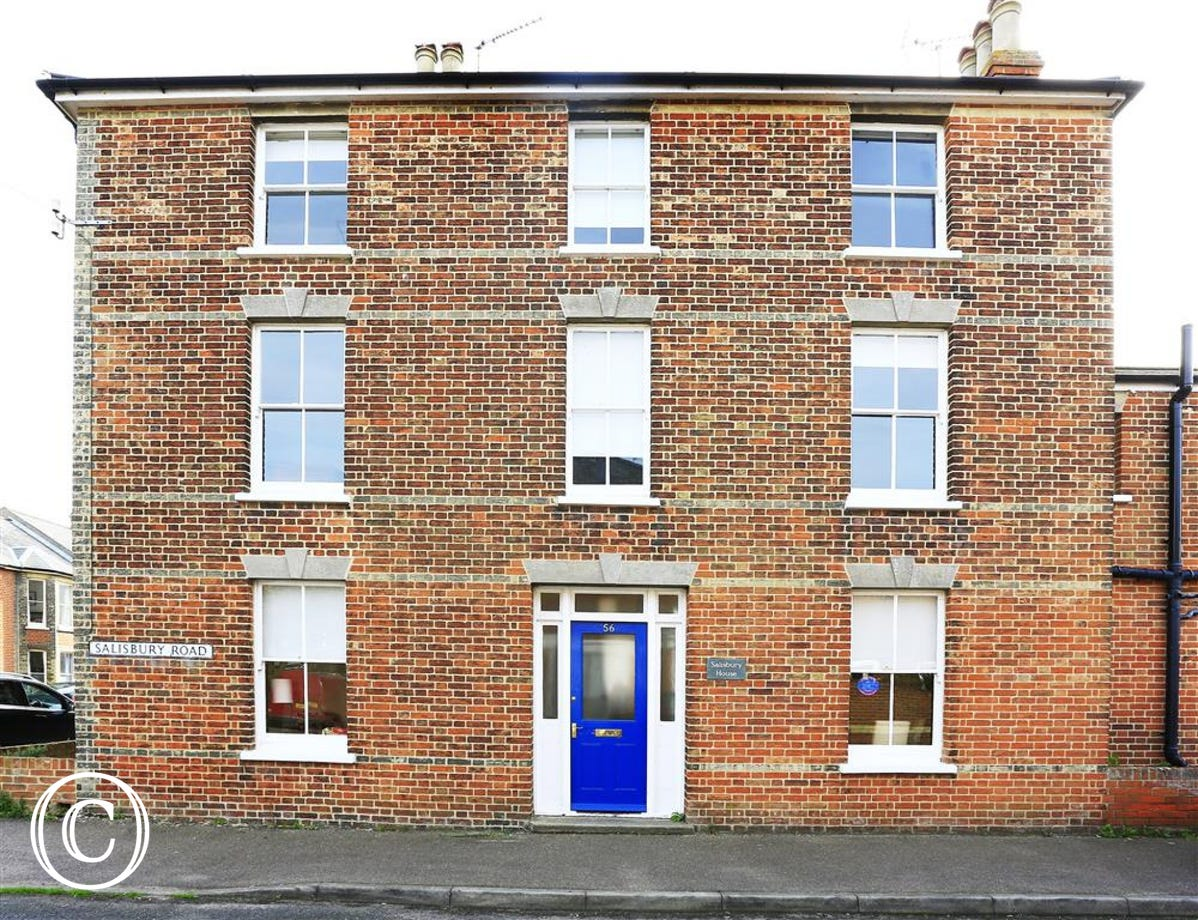 Salisbury House is a fabulous property in Southwold conveniently located for beach and shops.