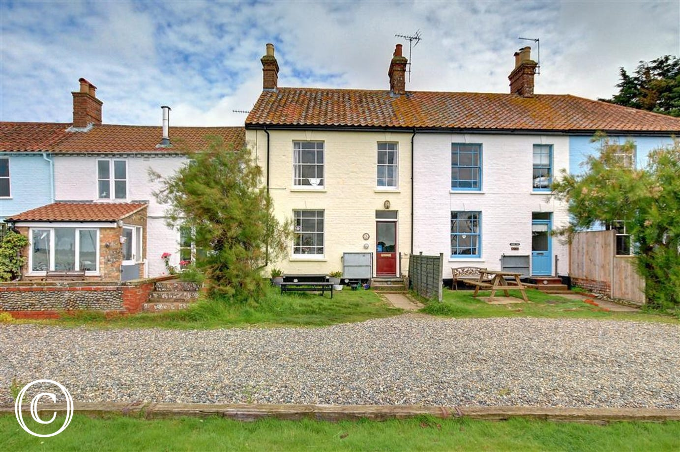 This terraced cottage is full of character and is situated in a great location for your holiday,