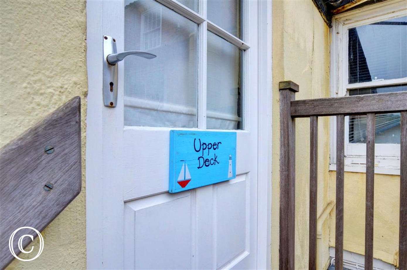 The Upper Deck is a rustic apartment for 4 with mod cons in the heart of Southwold.