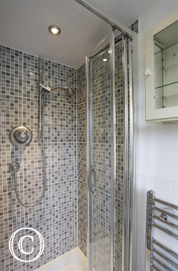 En-Suite Shower Room to Bedroom 2