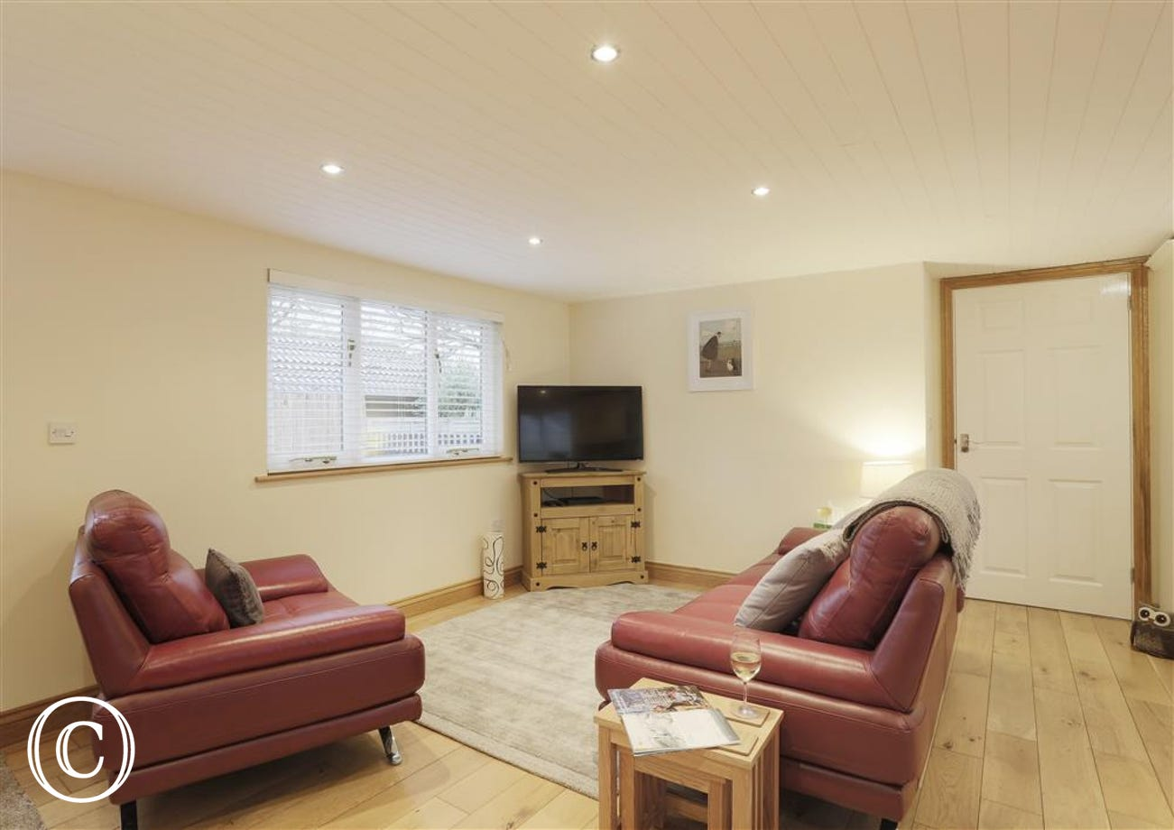 Open Plan Area - View 4