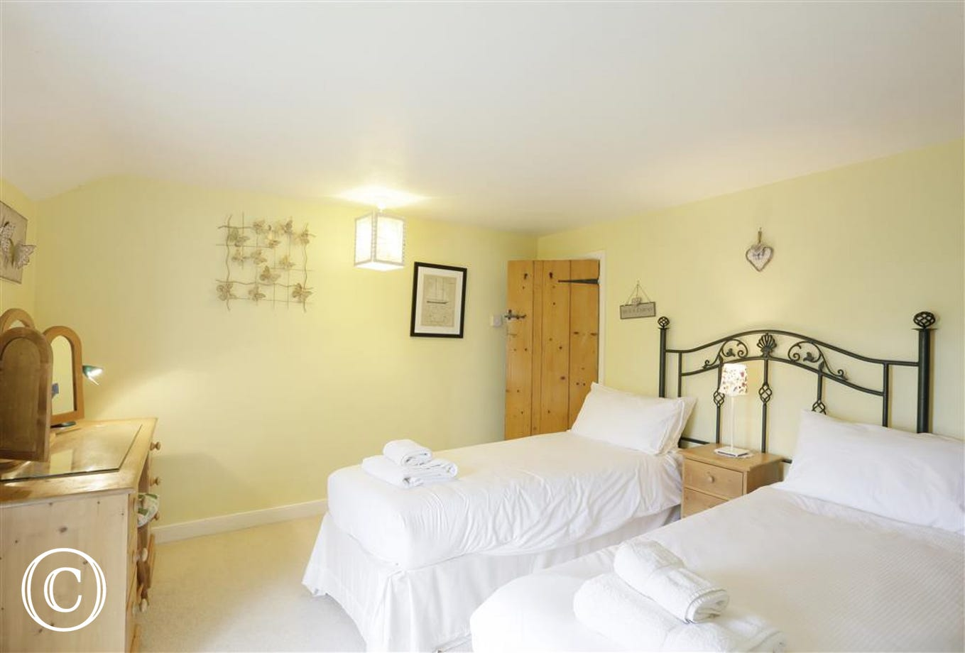 This bedroom is flexible for guests as it has twin beds which can be linked to form a king size bed - the choice is yours!