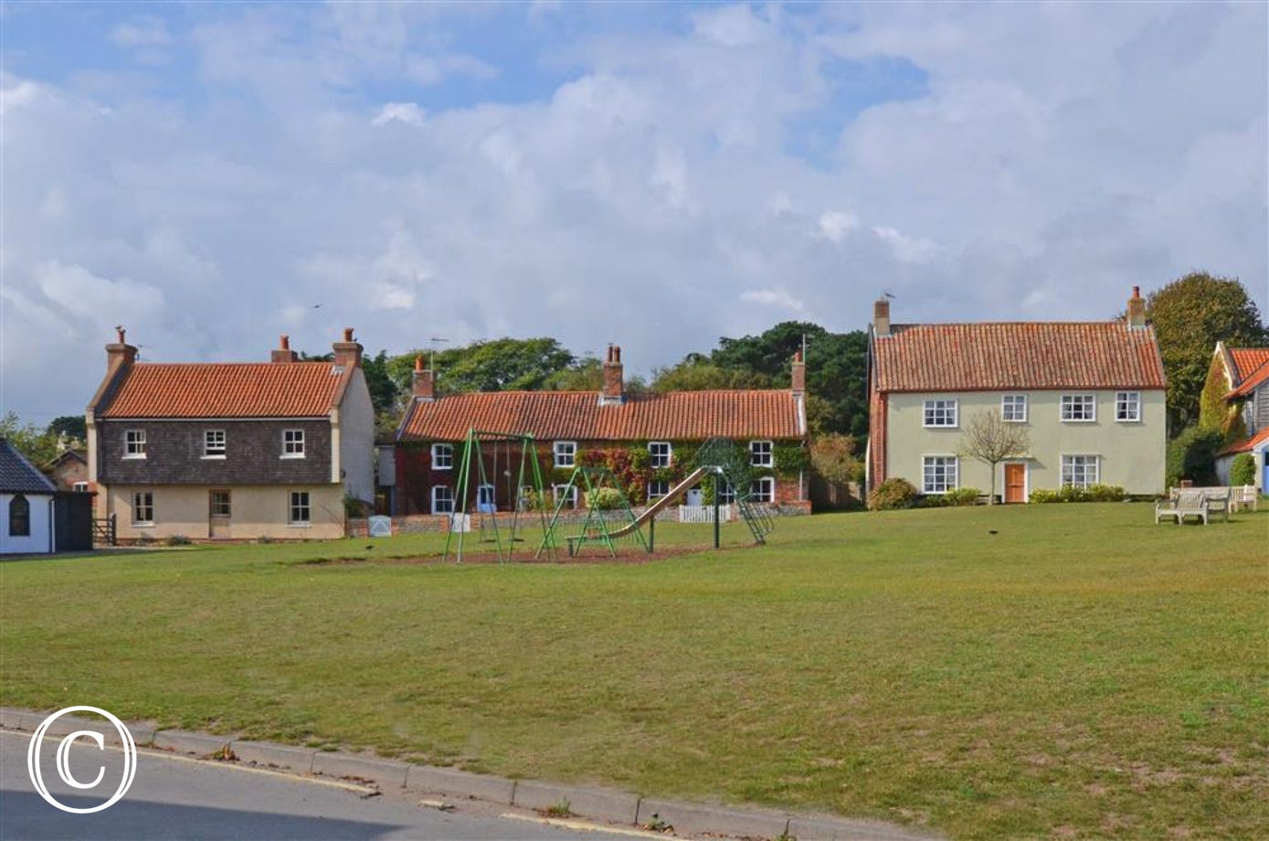 With a play park opposite this great property for 9 people means the whole family and come and enjoy Walberswick.