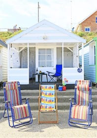 Just by Gun Hill this beach hut is superbly located and ideal for kids.