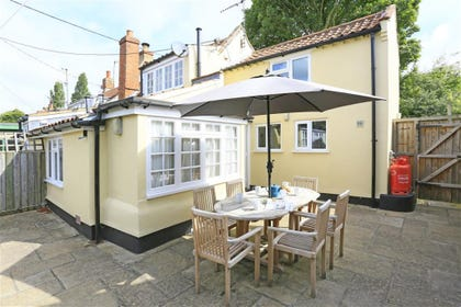 A great family holiday home set in the pretty village of Westleton.