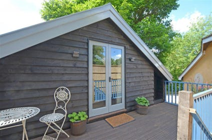 This first floor lodge resides in the village Badingham not far from Woodbridge and sleeps 2.