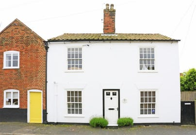 White Cottage is a tastefully decorated Suffolk cottage located in the seaside town of Southwold.